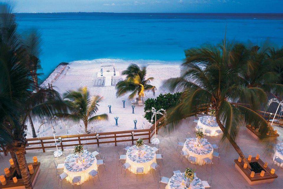 Top 10 Worst Things About Planning a Destination Wedding