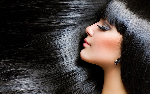 Dandruff – Symptoms, Causes and Treatment