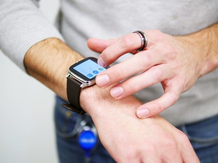Smartwatches in UAE- How to Start the Acquisition Journey?