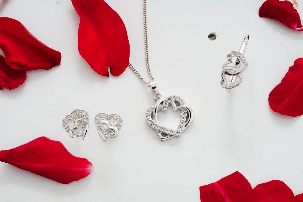 Buy the Best Heart Jewelry in Diamonds and Gemstones
