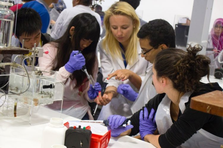 How to start a career in Biotechnology