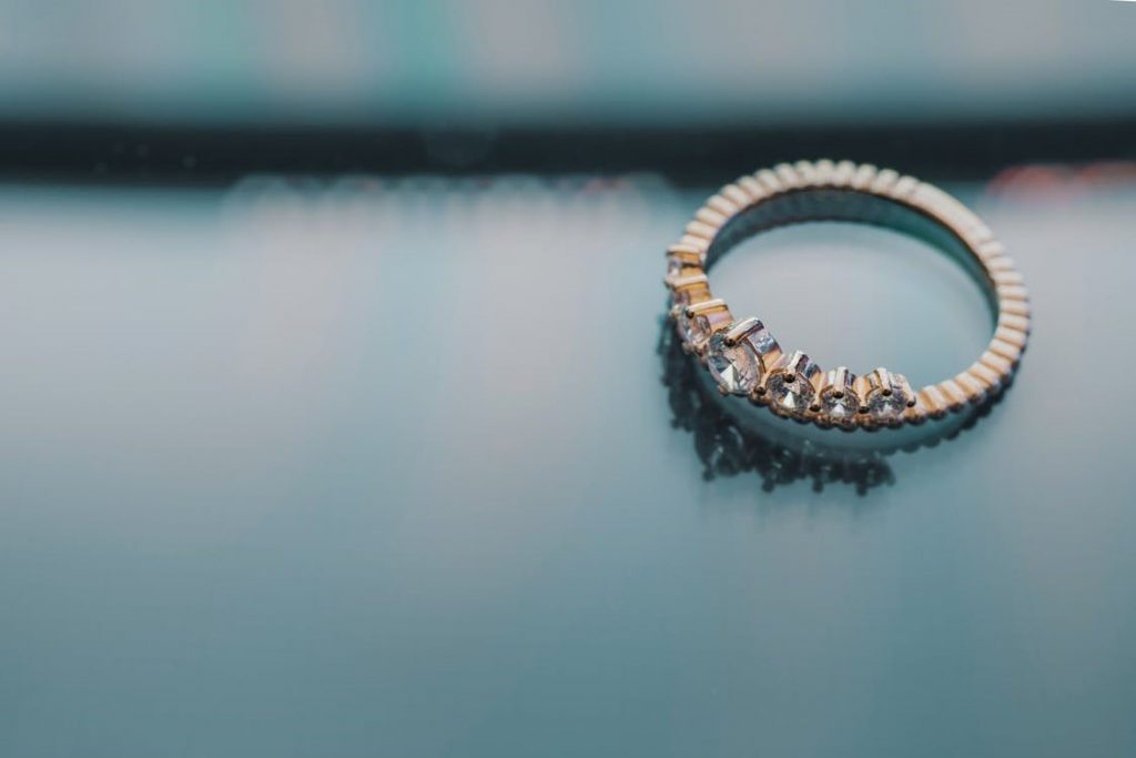 Make This Holiday Season Romantic with the Best Diamond Rings